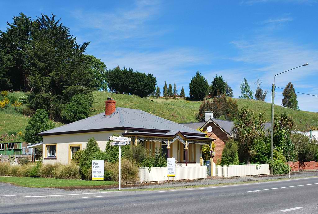 1024px-Lawrence_New_Zealand_House